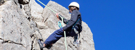 rock-climbing-on-meads-wall